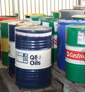 Foto av behållare för oljeavfall