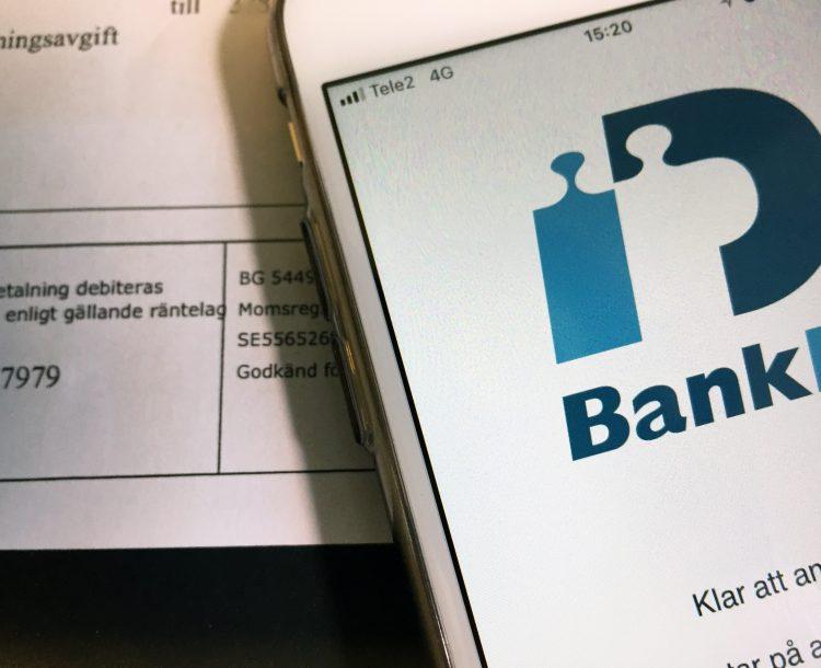 foto av telefon med app för bankID